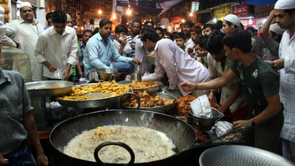 The hustle and bustle of the Matia Mahal bazaar close to Old Delhi