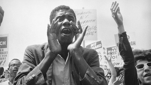 The marchers were entertained by big names such as Ossie Davis, Joan Baez, Bobby Darin, Odetta, Bob Dylan, Peter, Paul and Mary, and Jackie Robinson.