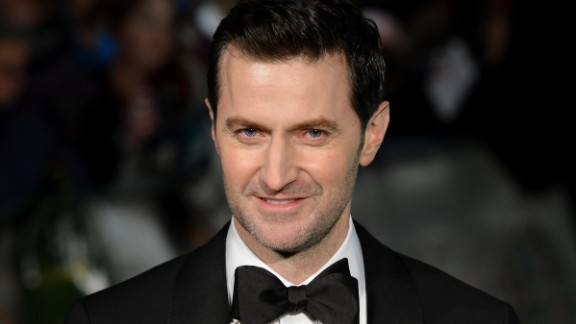 British actor Richard Armitage looks darn spiffy in a tux and that