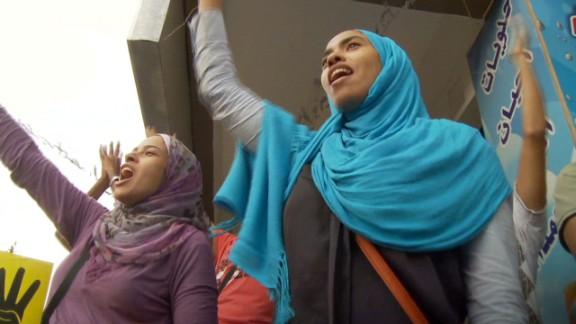 penhaul.egypt.women.voice_00024711.jpg