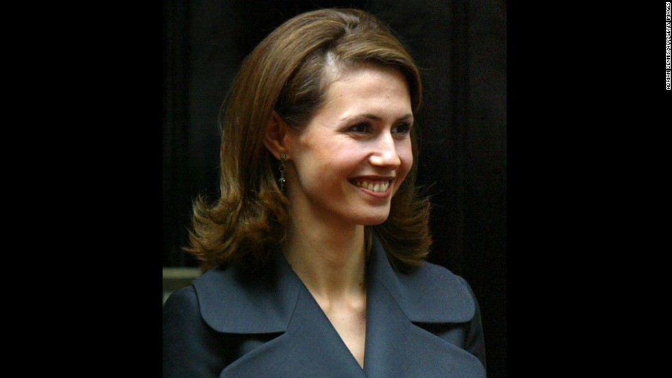 The first lady arrives at No. 10 Downing Street in London to urge a peaceful solution to the Iraqi crisis, on December 16, 2002.
