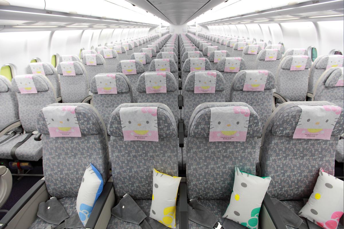 8e444c922 Hello Kitty Plane Makes Maiden U S Flight To Los Angeles Cnn Travel