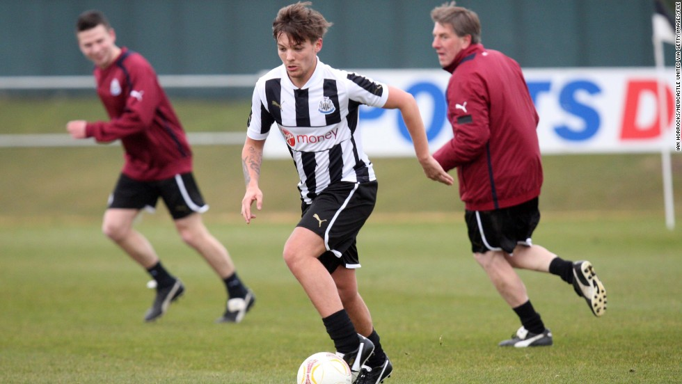 "Louis Tomlinson, who was recently <a href=""http://edition.cnn.com/2013/08/01/sport/football/football-one-direction-louis-tomlinson"">offered</a> a deal by professional football club Doncaster Rovers to join the club."