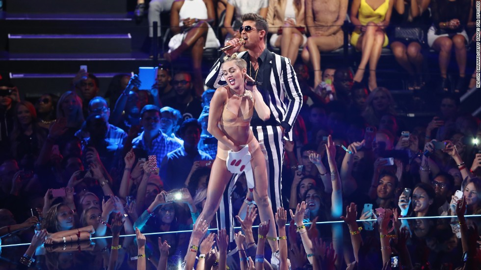 "Which One Direction member enjoyed Miley Cyrus' <a href=""http://www.cnn.com/2013/08/26/showbiz/music/miley-cyrus-mtv-vmas-gaga"">controversial VMA performance</a>?"