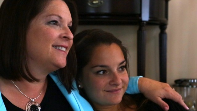 Tearful goodbye for freshman daughter