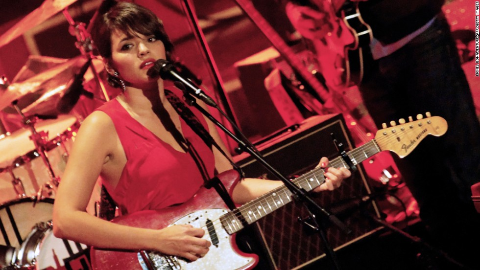 "Norah Jones, best known for her singing and piano skills, also <a href=""http://www.imdb.com/name/nm1289528/bio"" target=""_blank"">learned to play the guitar and alto saxophone</a> as a kid."