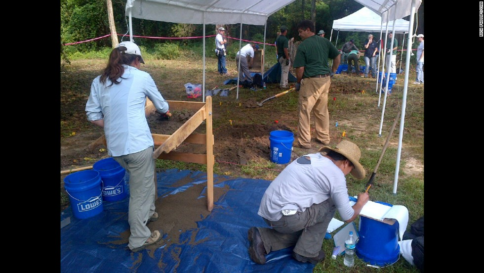 On August 6, Florida Gov. Rick Scott and his Cabinet voted to allow the University of South Florida forensics team to excavate and examine the bodies.