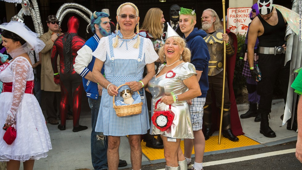 "Sam Diament, left, and his wife, Elisa, of West Palm Beach, Florida, attended the parade as Dorothy and the Tin Man from ""The Wizard of Oz."""