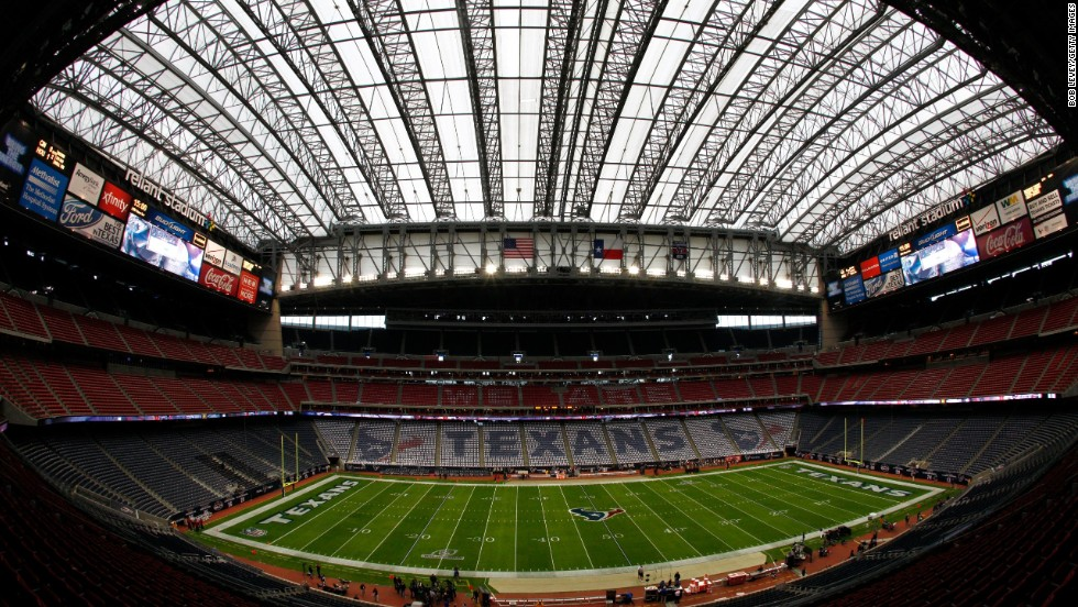 "Reliant Stadium in Houston, Texas, will host Super Bowl LI in 2017. It does not currently offer Wi-Fi but has been <a href=""http://m.sportsbusinessdaily.com/Journal/Issues/2012/08/06/In-Depth/Reliant-Stadium.aspx"" target=""_blank"">negotiating</a> with Verizon to bring Wi-Fi throughout the stadium."
