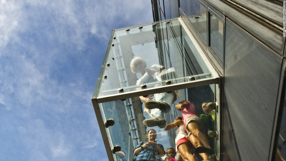 Image result for Protective layer on The Ledge at Chicago's Willis Tower cracks as visitors stand on it