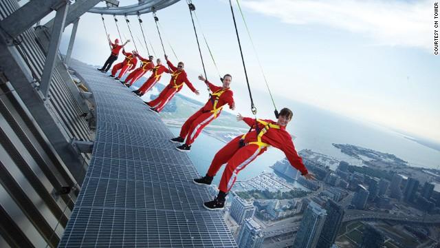 130902141656 platforms   edgewalk cn tower story top.'