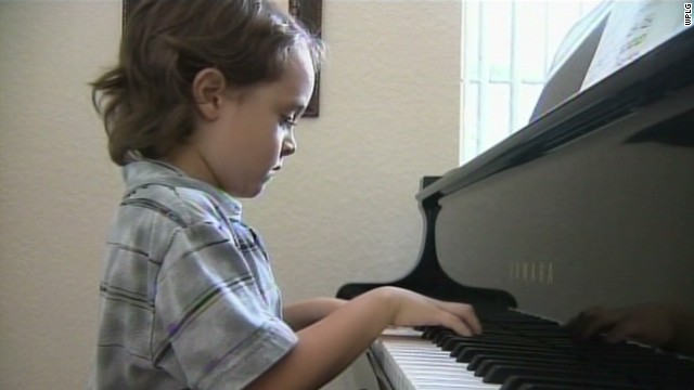 dnt 5 year old piano prodigy_00001607.jpg