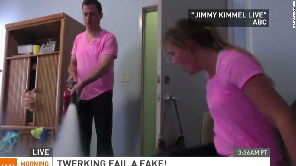 White girl twerk fail