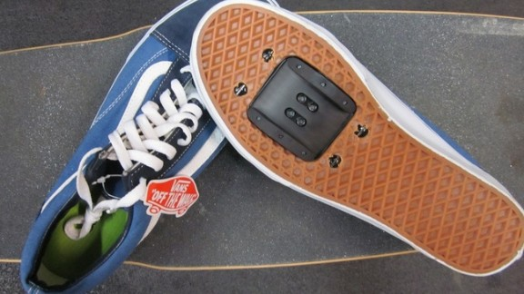 With Retrofitz's DIY cycle shoes kit you no longer need to look the part to be the part. Now (according to Retrofitz) you can easily insert a plate into your everyday sneakers to keep your feet in place while you zip around the city.