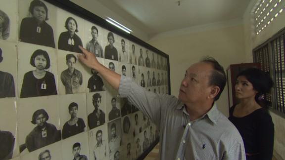 Cambodia remembers genocide_00010509.jpg