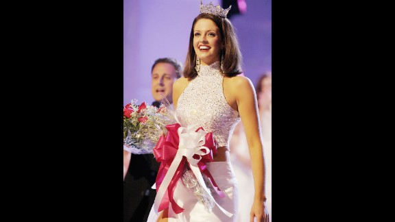 Deidra Downs, from Alabama, and newly crowned Miss America 2005, walks down the runway after being crowned at the finals of the 2004 Miss America Pageant.