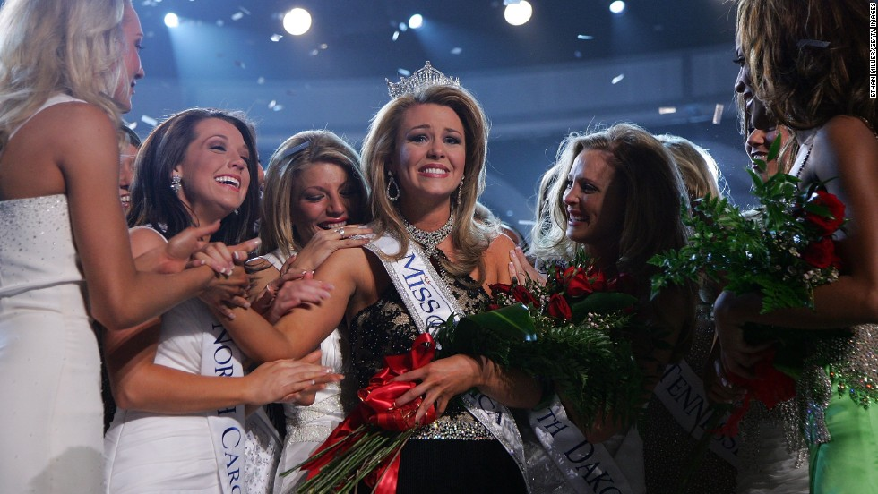 Lauren Nelson, from Oklahoma, is named Miss America 2007 at the Aladdin Theatre for the Performing Arts in Las Vegas, Nevada.