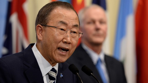 United Nations Secretary General Ban Ki-Moon (L) speaks to the media with UN chief weapons inspector Ake Sellstrom (R) after briefing the Security Council on the weapons inspectors report on chemical weapons in Syria September 16, 2013 at UN headquarters in New York.