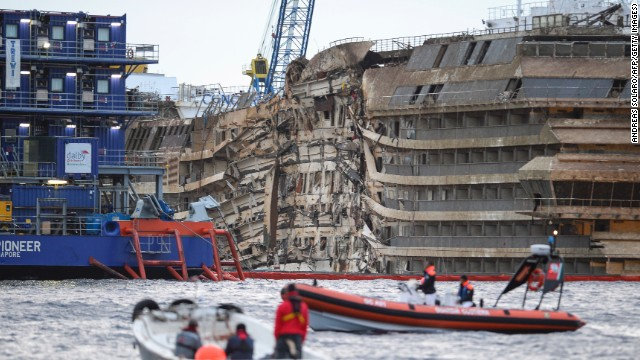 Captain shifts blame for Concordia crash
