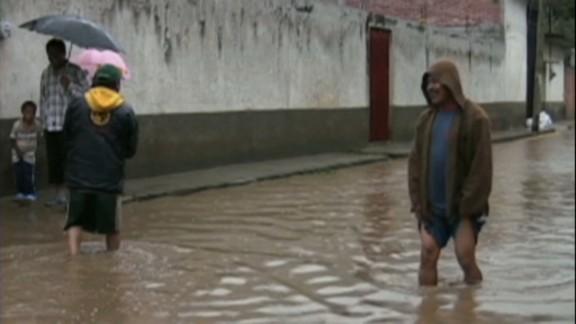 cnnee mexico big storms hit _00015925.jpg
