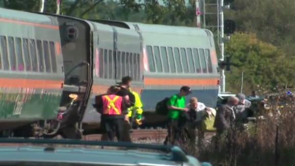 vo canada bus train crash_00001222.jpg