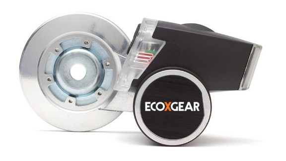 With Ecoxpower you can keep fit, charge your electronics and save the planet all at the same time. What more could you want? Attach the device to your bike and your pedaling will power the headlight and your smartphone or GPS too.