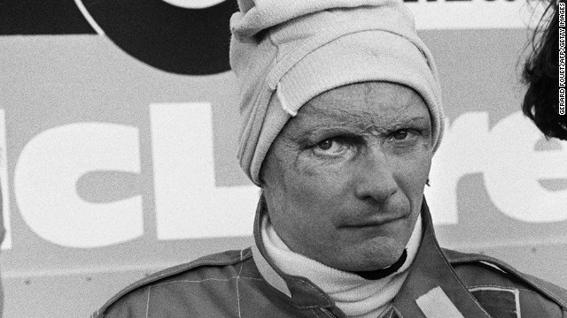 Austrian Fomula 1 champion driver Niki Lauda (C) talks to members of the MacLaren racing stable on the Le Castellet racing circuit 20 November 1981. Lauda, who have been world champion in 1975 and 1977, makes his come back to the international competition at the wheel of a Mac Laren. (Photo credit should read GERARD FOUET/AFP/Getty Images)