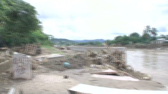 pkg darlington mexico ravaged town_00000902.jpg