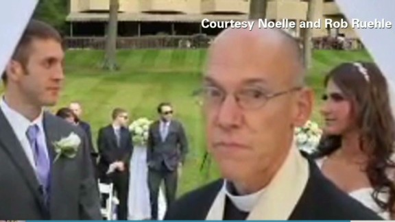 newday pereira dnt rude wedding priest _00002121.jpg
