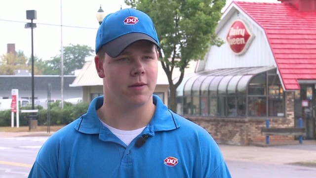 Dairy queen manager helps blind Cuomo good stuff newday _00003012.jpg