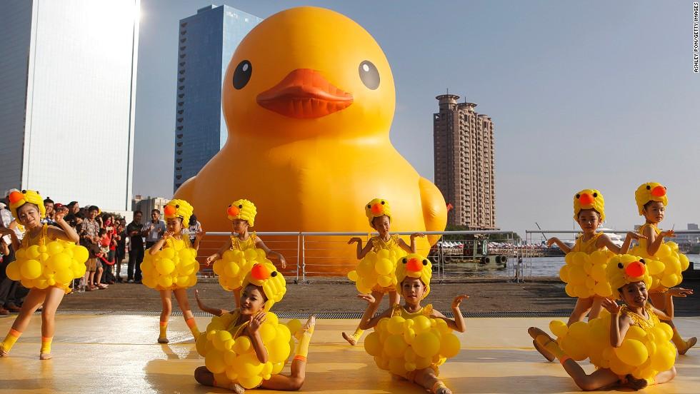 Giant duck conquers Taiwan | CNN Travel