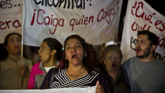 Relatives of the 12 kidnapped in a bar protest on August 23, 2013 in front of the Mexican Attorney General offices, Mexico City.