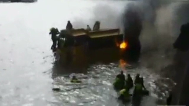 Duck Boat catches fire in Thames