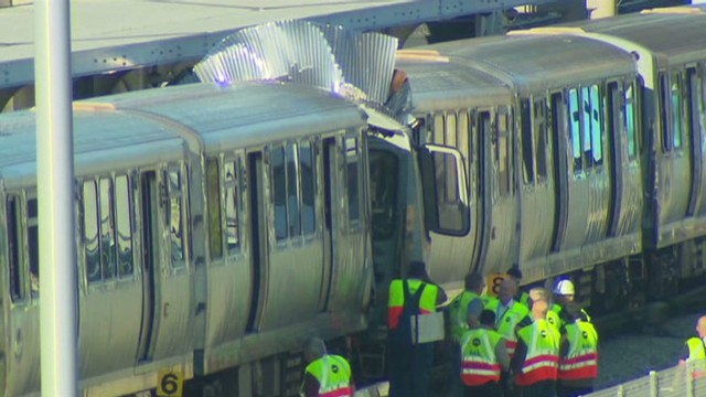 Dozens injured in Chicago train crash