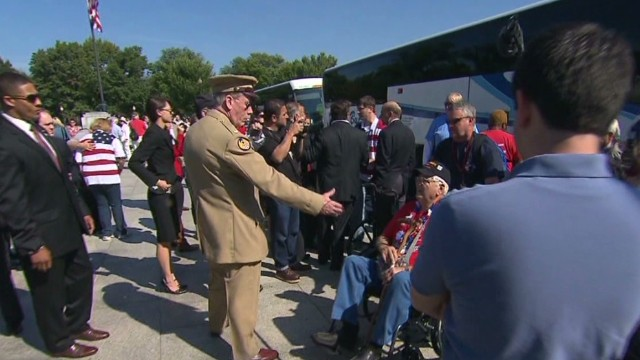 Veterans plead for government to re-open