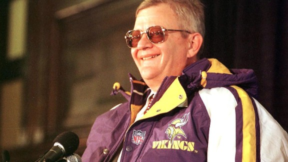 Clancy announces his purchase of the Minnesota Vikings in 1998. The deal ended up falling through for undisclosed reasons.