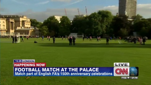 Football comes to Buckingham Palace