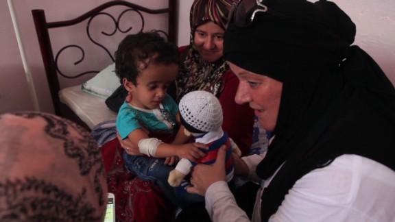 pkg shubert syria volunteer story_00021720.jpg
