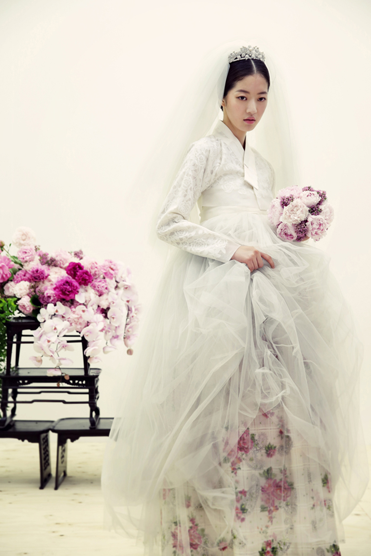 How Hanbok Is Influencing Biggest Fashion Names Cnn Style Outfit Girl 10 Korea