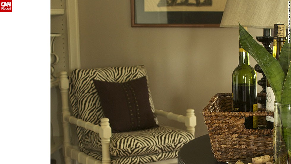 "<a href=""http://ireport.cnn.com/docs/DOC-1041803"">Laurie Jones</a> brings texture to her living room through the use of <a href=""lauriejoneshome.com"" target=""_blank"">animal prints in a neutral palate.</a>"