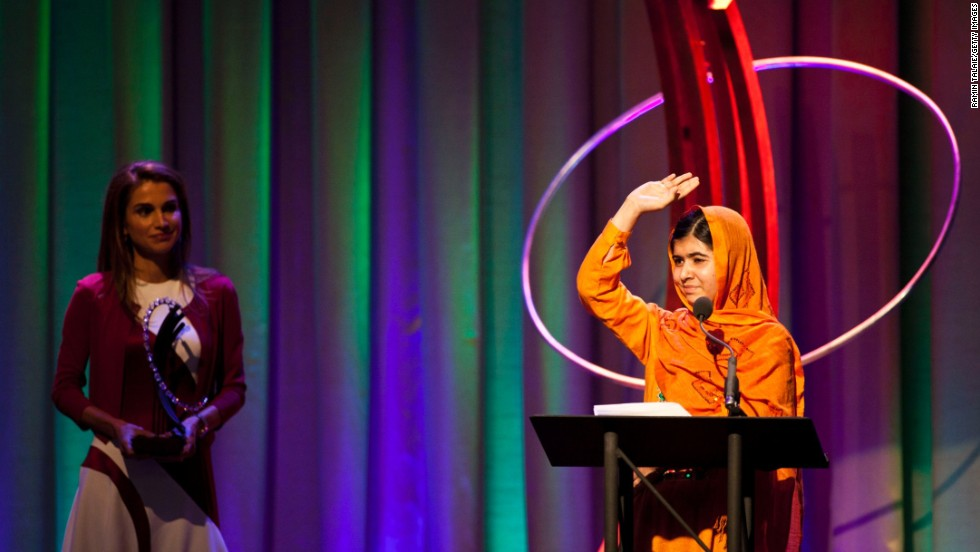 Queen Rania of Jordan presents Malala with the Leadership in Civil Society Award at the Clinton Global Citizen Awards ceremony in New York in September 2013.