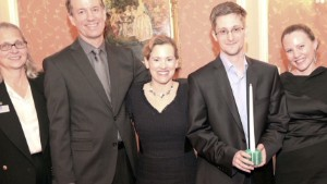 Snowden honored by U.S. whistleblowers