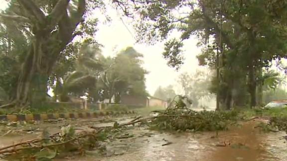 bpr kapur india cyclone phailin aftermath_00020515.jpg
