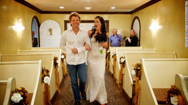 Graceland Wedding Chapel.Bon Jovi Grants Wedding Wish