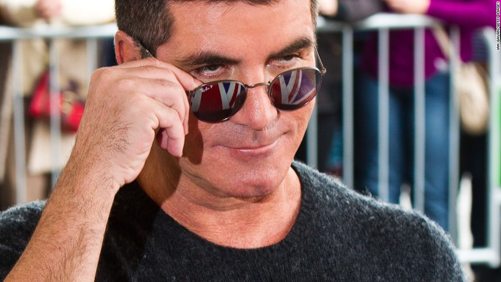 "Simon Cowell's 2013 payday is enough to keep him stocked in snug V-neck T-shirts <em>and </em>set up a trust fund for his <a href=""http://marquee.blogs.cnn.com/2013/08/21/simon-cowell-im-proud-to-be-a-dad/"">pending arrival</a>. The current ""X Factor"" judge, 54, shares the title of top-earning TV personality this year, having made an estimated $95 million this past year. You know who else brought in that sizeable amount?"