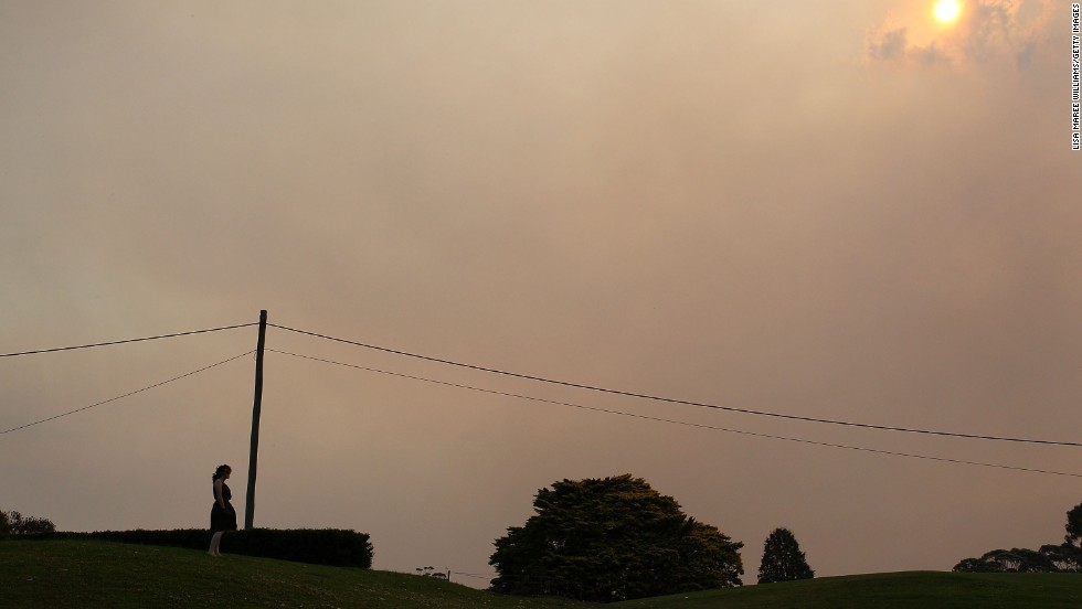 Smoke fills the sky above the Winmalee Country Club on October 18.
