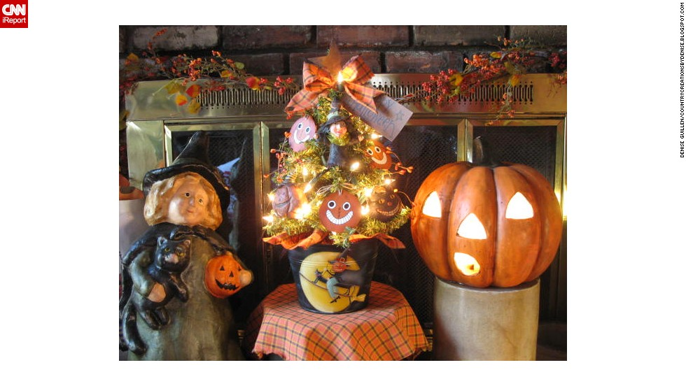 "The warm fireplace accented with a Halloween tree, witch and jack-o'-lantern can been seen on <a href=""http://ireport.cnn.com/docs/DOC-1050693"">Guillen's </a>blog, <a href=""http://countrycreationsbydenise.blogspot.com/"" target=""_blank"">Country Creations by Denise.</a>"
