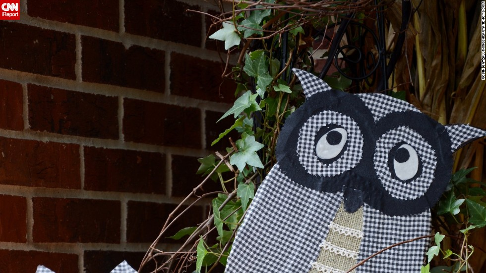 "The kitty pumpkins and owl are DIY projects that <a href=""http://ireport.cnn.com/docs/DOC-1048970"">Gay</a> shows how to make on her blog, <a href=""http://www.allthingsheartandhome.com/2013/10/08/halloween-outdoor-decorations/"" target=""_blank"">All Things Heart and Home</a>."