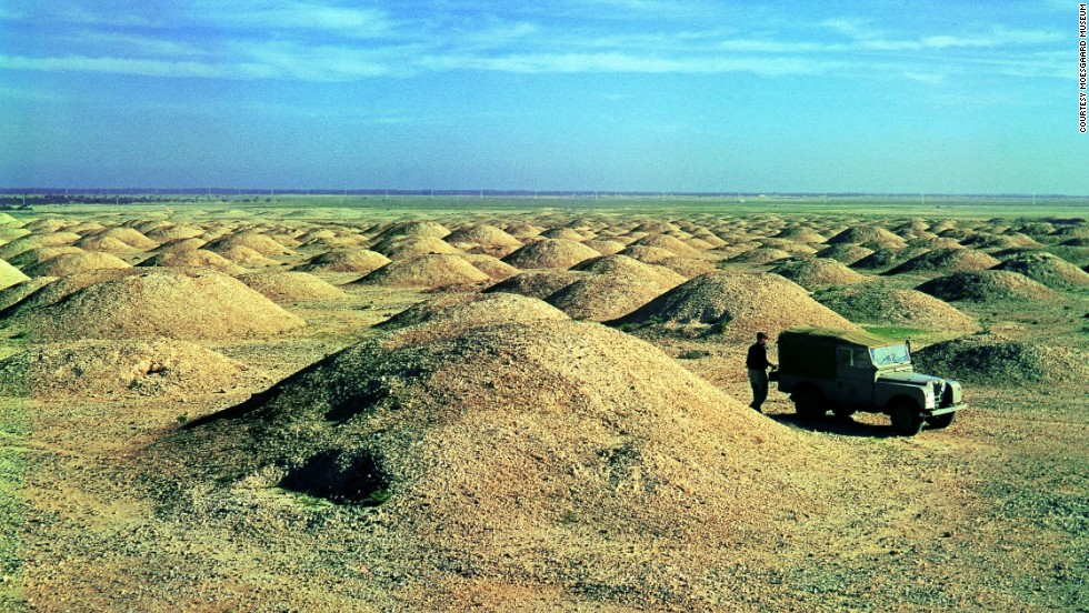 Thousands of 4,000 year-old burial mounds, leftover from the Dilmun civilization, once covered a third of Bahrain's landmass. The mounds were largely intact when this picture was taken in 1956.