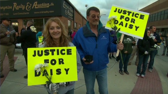 exp erin dnt lah missouri town rallies for alleged teen rape victim_00020512.jpg